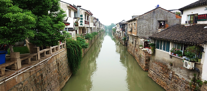 homes along the grand canal