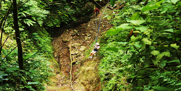 me ziplining in la fortuna
