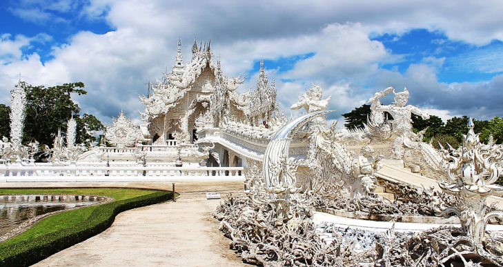 white templle chiang mai