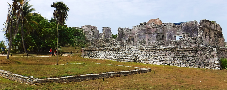 grounds of tulum ruins mexico
