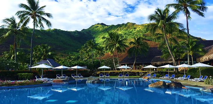 Hilton Pool Moorea
