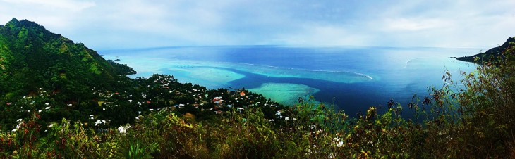 pano of magic mountain moorea