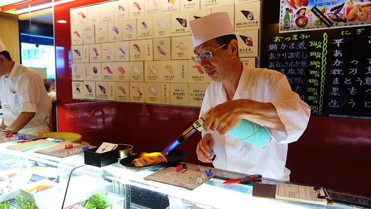 sushi in tsujiki japan