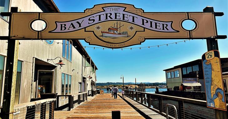 bay street pier newport oregon